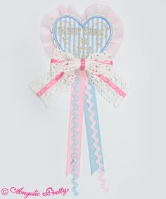 Lolibrary | Angelic Pretty - Accessories - Melody Toys Heart Emblem Brooch