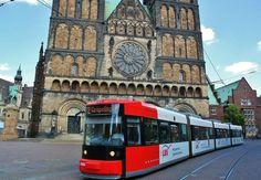 Tranvía en el centro histórico de Bremen