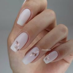 Classic nail art design cases you can try - Page 83 of 97 - Inspiration Diary Stylish Nails, Trendy Nails, Elegant Nails, Sophisticated Nails, Short Nail Designs, Nail Art Designs, Neutral Nail Designs, Nails Design, Cute Acrylic Nails