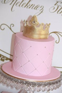 Gold and Pink Princess Themed Birthday Party: Event Styling: Couture Event StylingCake, Cupcakes, Macarons, Cakepops, Cookies : Studio CakeBackdrop: Printcraft Wall DecalsStationary: Ham Pea design paperie Baby Girl First Birthday, Gold Birthday, First Birthday Parties, Birthday Party Themes, Birthday Cakes, Birthday Ideas, Birthday Brunch, 9th Birthday, Cinderella Birthday
