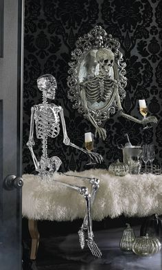 Take your Halloween decorating to a new dimension with the ominously opulent Sorceress Skull Framed Mirror, from Katherine's Collection. Modern Halloween, Halloween Items, Fall Halloween, Halloween Crafts, Halloween Party, Halloween Decorations, Halloween Costumes, Classy Halloween, Halloween 2020