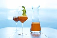 Hurricane Glass, Alcoholic Drinks, Tableware, Facebook, Food, Carrots, Apple, Health, Acupuncture