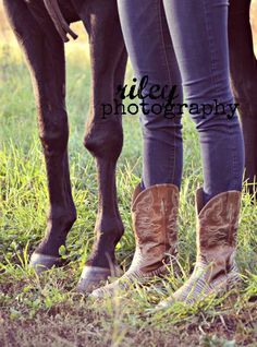 Senior girl with horses - Riley Photography
