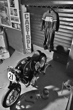 RocketGarage Cafe Racer: Spirit of Zeller