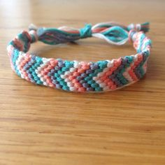 artesanais Embroidery Bracelets Ideas Embroidery Bracelets Ideas Bracelet CHEVRON Bermuda by SeaBeeBracelets on Etsy - Diy Bracelets With String, Yarn Bracelets, Bracelet Crafts, Ankle Bracelets, Gold Bracelets, Pearl Bracelet, Homemade Bracelets, Diy Bracelets Easy, Summer Bracelets
