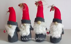 how to make gnomes in felt and pannolenci - manifantasia Xmas Elf, Christmas Gnome, Red Christmas, All Things Christmas, Scandinavian Gnomes, Scandinavian Christmas, Felt Crafts, Diy And Crafts, Arts And Crafts