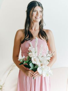 This How To for dyed bridesmaid dresses shows you how you can use Rit Dye to ace the mismatched bridesmaid trend and not break the bank! We dyed convertible maxi dresses in pastel tones to match the elegant mood of this modern minimalist wedding aesthetic. See the full DIY on Ruffled! #mismatchedbridesmaids #weddingtrends #dyedweddingideas Bridesmaid Bouquet White, Mismatched Bridesmaid Dresses, Wedding Dresses, Bridesmaids, Diy Wedding Favors, Wedding Crafts, Wedding Vendors, Modern Minimalist Wedding, Silk Orchids
