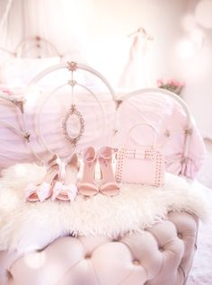 How to find a purse that fits your needs! + this blog is adorbs