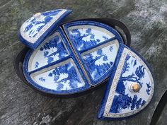 Blue Willow China, Blue And White China, Love Blue, Willow Pattern, China Plates, White Stuff, Elegant Table, White Decor, Delft
