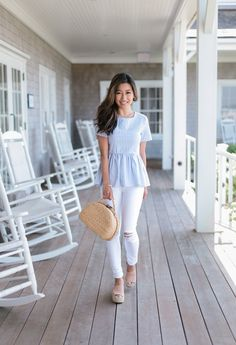 nantucket cape cod summer outfit seersucker top white jeans wedges clothes summer outfits Bow Seersucker Top at Nantucket Wine & Food Festival - Extra Petite Adrette Outfits, Preppy Outfits, Classy Outfits, Spring Outfits, Fashion Outfits, Fasion, Wedges Outfit, Style Casual, Preppy Style