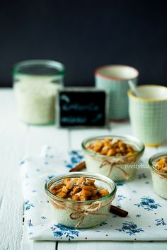Rice pudding with caramel apples