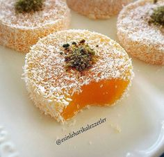 Turkish Delight with Mandarin - Rezepte 2019 Köstliche Desserts, Delicious Desserts, Dessert Recipes, Bakery Recipes, Cooking Recipes, Turkish Recipes, Ethnic Recipes, Turkish Sweets, Recipes With Marshmallows