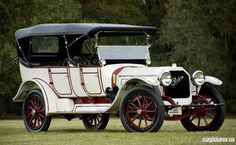 1915 Peerless Seven-Passenger Touring - ( Peerless Motor Car Co. Cleveland, Ohio, 1900-1931)