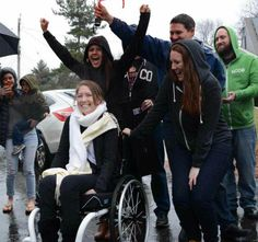 The Chivers surprise Melissa Smith with her new home! (23 Photos) : theCHIVE