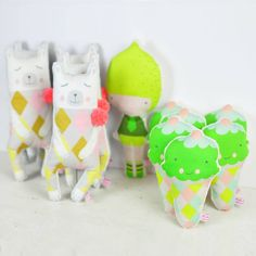 handmade ice cream rattles in green, polar bear doll en white, pink and yellow and Lemon doll  - by PinkNounou