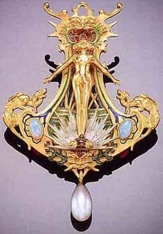 René Lalique, Venus Brooch, by Midnight Orchid  pin: www.sieradenschilderijenatelierjose.com