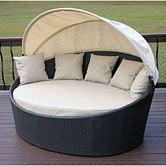 love this round chair!!!