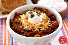Pumpkin Chili is the ultimate fall dish; it's hearty, comforting, and has just a touch of delicious pumpkin flavor. Thm Recipes, Chili Recipes, Pumpkin Recipes, Halloween Dinner, Halloween Snacks, Halloween Dress, Diy Halloween, Pumpkin Chili, Fall Dishes