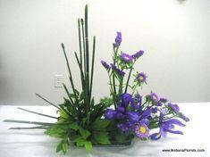 Ikebana Arrangement made at the classroom of California Flower Art Academy Ikebana Flower Arrangement, Ikebana Arrangements, Floral Arrangements, Flower Show, Flower Art, Garden Deco, Art Academy, Seed Pods, Floral Design