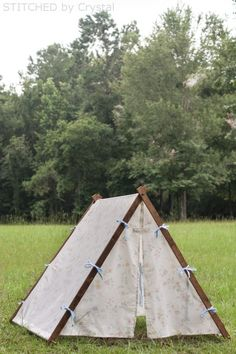 DIY Collapsable Frame Play Tent for Kids / Toddlers (Super Simple) - Tents - Ideas of Tents - DIY Collapsible Fabric Play Tent for kids! Diy Teepee, Diy Tent, Teepee Tent, Teepees, Cabin Tent, Forts, Kids Tents, Teepee Kids, Play Tents