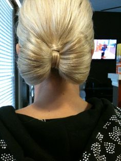 Bow Hair #weddings #hairstyles #thepalaceeventcenter