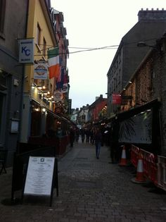 Ashford student Jason Lewis submitted his last assignment for one of his classes from a pub in Galway, Ireland. Now THAT is making the world your campus!