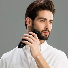 Master your style with the rechargeable Panasonic Beard Trimmer for Men Cordless Precision Power, Hair Clipper with Comb Attachment and 19 Adjustable Settings, Washable, ER-SB40-K 4-in-1 beard trimmer for men. Philips Trimmer, Best Trimmer, Trimmer For Men, Stubble Beard Trimmer, Cheap Subscription Boxes, Shaving Your Head, Beard Trimming, Facial Hair