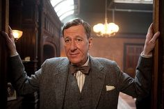 Pictures & Photos from The King's Speech - IMDb Jeffrey Rush, who was marvelous in the film as the irascible speech therapist who treats the King for his stutter. Movie Stars, Movie Tv, King's Speech, Australian Actors, Australian Birds, Helena Bonham Carter, Colin Firth, George Vi, Science News