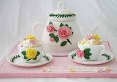 cakegirl teapot cake