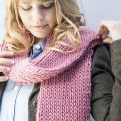 Make your own scarf in this beginners DIY knitting kit. The perfect gift this Christmas, you'll make your own super chunky scarf in no time!Choose from a range of colours in our 100% merino wool. Super soft and bulky, it's perfect for winter! Each kit includes: ~ 3 x 100g S&S The Chunky Yarn (100% merino wool) ~ 12mm bamboo knitting needles ~ Vale Scarf pattern ~ Sewing needle ~ Basic knitting instructions ~ Re-useable kraft box to store all your knitting gearCosy up with this chunky and...