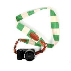 I want one of these new camera straps meant to look like a vintage one.