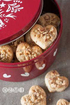Si vous aimez les noix, cette recette ravira forcément vos papilles! Une première pour moi, et je compte bien les refaire! Evidemment, c'est encore chez Flo que j'ai trouvé mon bonheur …