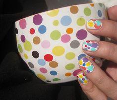 Bonsoir  Je vous retrouve aujourd'hui avec un nail art très coloré! Il s'agit de ma participation au concours Colour Power proposé par Bulleuw  Ma source d'inspiration a été mon j…