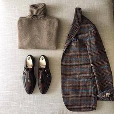 danielmeul: winter classics Dolcevita Cashmere by. Style Casual, Casual Chic, Casual Wear, Men Casual, Gentleman Mode, Gentleman Style, Look Fashion, Winter Fashion, Mens Fashion