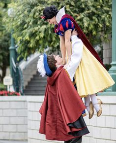 Disney Face Characters, Fictional Characters, Cosplay, Disney Princesses, Snow White, Princesses, Snow White Pictures, Sleeping Beauty, Fantasy Characters
