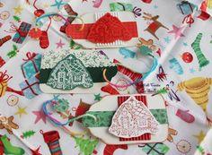 Biglietti di Auguri a forma di Tag con Casette di Marzapane (Dimensioni: 5.8x10 cm)  http://it.dawanda.com/product/68553763-3-Biglietti-Tag-per-regali-di-Natale