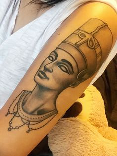 Nefertiti tattoo @jordanmitchelletattoo