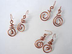 Orecchini in filo di rame lavorato a mano - Handmade wire copper earrings