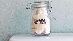 Voici une astuce faite maison qui va vous simplifier la vie. Vous allez pouvoir nettoyer et éliminer les mauvaises odeurs de vos toilettes naturellement. Comment ? Grâce à des pastilles effervescentes faites maison.  Découvrez l'astuce ici : http://www.comment-economiser.fr/pastilles-wc-maison.html?utm_content=buffer67016&utm_medium=social&utm_source=pinterest.com&utm_campaign=buffer