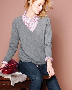 Boyfriend V-Neck Cashmere Sweater