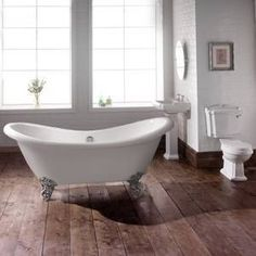 Create a timeless elegance to your bathroom with a double ended freestanding slipper bath.