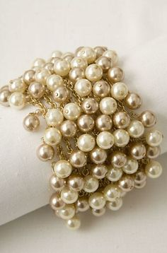 Jewelry is a girls best friend / Oooh--- love this pearl bracelet