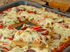 Tepsi Pizzası Nasıl Yapılır? Hawaiian Pizza, Mashed Potatoes, Food And Drink, Meat, Ethnic Recipes, Bakken, Whipped Potatoes, Smash Potatoes