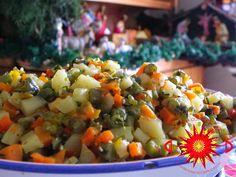 Los tamales constituyen una de las recetas más versátiles, pues una vez que se alista la masa de maíz, aliñada con caldo y especias nat...