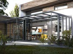 A modern Everest glass extension