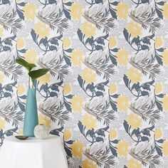 Our Chasing Paper Sketched Floral Print Wallpaper is a contemporary take on a classic motif, with a subtle design that can work in the whole room or as an accent wall. Simple to install and easy to remove, these wallpaper panels are ideal for rent… Mirrored Wallpaper, Tile Wallpaper, Wallpaper Panels, Wallpaper Installation, Wallpaper Samples, Wallpaper Ideas, Floral Print Wallpaper, Floral Prints, Mirror Wall Art