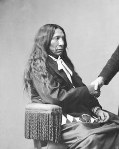 Red Cloud - Oglala / Sioux (Lakota), no location or date Native American Music, Native American Photos, Native American Tribes, Native American History, American Indians, Seneca Indians, Sitting Bull, Crazy Horse, Indiana