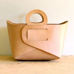 I Love Handmade: Natural Leather Tote by Gildem #leatherbagsdiy