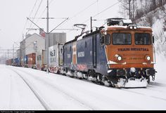 High quality photograph of Train Hungary 400 / ASEA # 0400 at Fuzine, Croatia. Freight Transport, Locomotive, Hungary, Croatia, Transportation, Vehicles, Photography, Old Trains, Paths