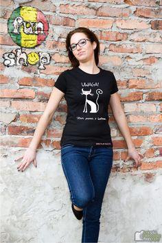 Koszulka autorstwa #rudit na podstawie #pajnt Panna z kotem